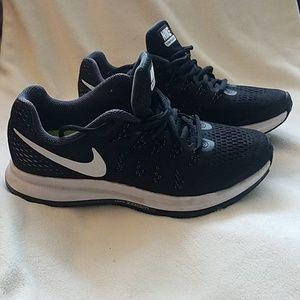 Nike Zooms (ladies)